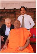 2017년 3월 27일 진제법원 조계종 종정 추대법회에도 참석해서 헌사를 했던 찬디마 승정과 필자. 찬디마 승정은 스리랑카 비구니승단의 후원자이다. 2016년 12월 필자가 실론에 가서, 비구니 총회에 참석하여 찬디마 승정과 스리랑카 비구니 한국연수문제를 논의하고 있다.