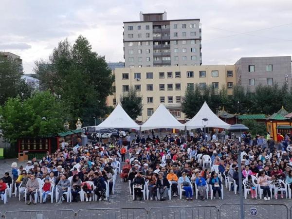 1만여 불자와 시민들