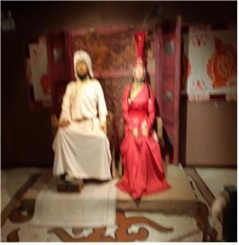 칭기즈칸 동상 박물관에 만들어진 칭기즈칸 부부