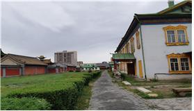 몽골불교 최고위 직인 복드 칸(왕)이 여름 궁전으로 사용했던 복드 칸 박물관 전경.