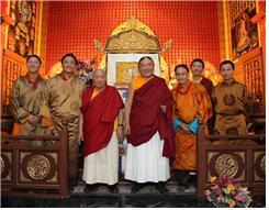 티베트 사캬파 41대 샤카 트리진(종정), 현재 인도에 망명중이다.