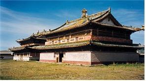 16세기에 엣 몽골제국 수도 카라코룸에 세워진 에르덴 조 사원